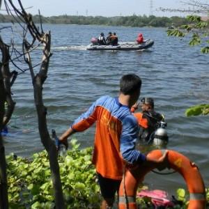 ris-evakuasi korban tenggelam