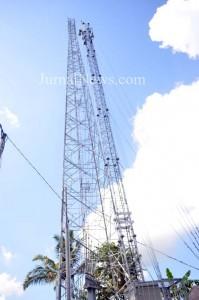 Tower BTS di Dusun Simbar Desa Tampo, Cluring. (Ron/Jn)