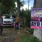 Foto: PolPP kecamatan Cluring saat merasia baner liar.