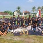Foto: Anggota Balawangi saat berkumpul dilapangan desa Sraten.
