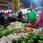 Ramah-aktivitas-jual-beli-di-Pasar-Hamadi-1-768x575