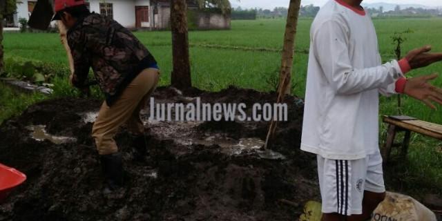 Ternyata Bangunan Irigasi Milik Dinas Pengairan Tidak Melantunkan SPMK Ke Desa Sraten.
