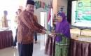 Penyerahan Sertifikat Program PTSL Desa Wringinrejo Diawali Santunan Yatim Piatu