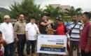 Direktur PT Bumi Suksesindo Menyerahkan Hewan Kurban Di Masjid At – Taqwa Dusun Pancer