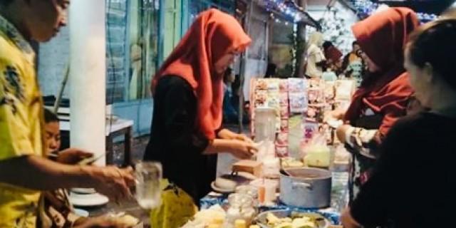 10 Ribu Bisa Belanja Lauk Atau Kue Tradisional Di DBNK Desa Glagah
