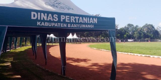 Penempatan Kontes Ternak di GOR Tawang Alun Tuai Pro Kontra