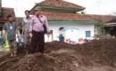 Anggota KPU Cek Lokasi Di TPS Terdampak Bencana Banjir Bandang Desa Alasmalang