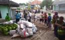 Warga Korban Banjir Alasmalang Mengantri Bantuan Dari Baznas