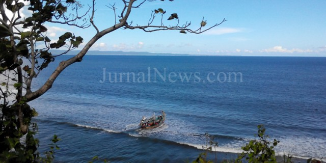 Perahu Terbalik di Grajagan: 1 Tewas, 3 Selamat dan 1 Hilang