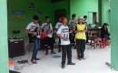 Mantab! Grup Band Siswa SLB Ini Hibur Peserta Gerak Jalan
