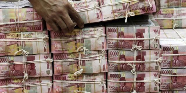 Ibu Anggota DPRD Propinsi Ini Kehilangan Duit Rp 50 juta di Pasar